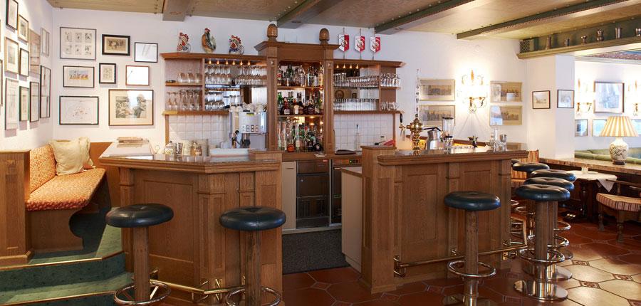 Hotel Haldenhof, Lech, Austria - Bar area.jpg